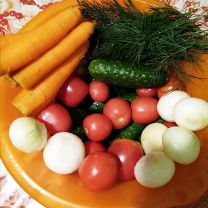 salaty-iz-ogurcov-na-zimu